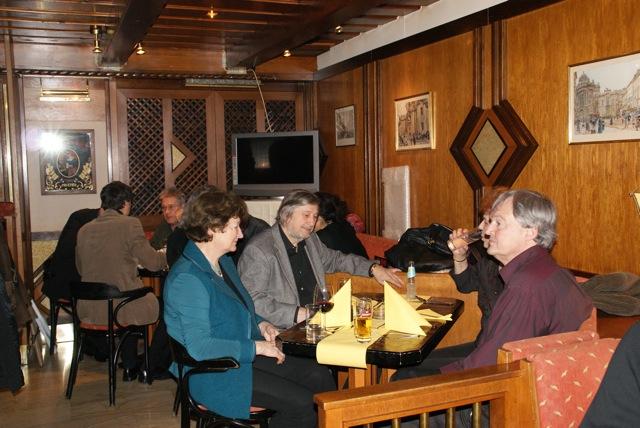 Abends im Café Palffy